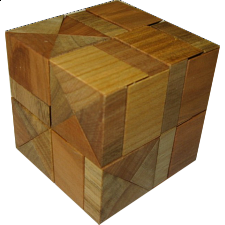 Diagonal Halfcubes - European Wood Puzzles
