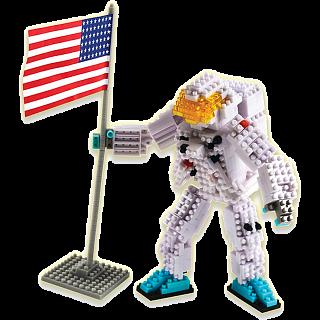 3D Pixel Puzzle - Astronaut