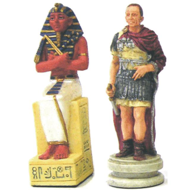 egyptian-vs-roman-theme-chessmen