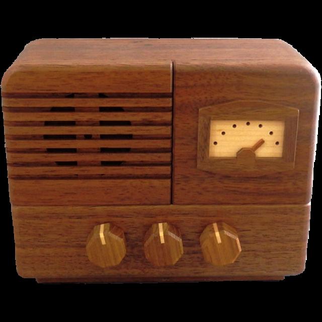 Karakuri Antique Radio