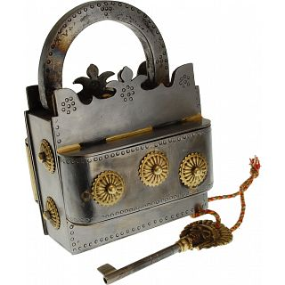Crown Iron Puzzle Lock | Wire & Metal Puzzles | Puzzle